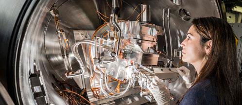 BL11 - NCD - آزمایشهای وابسته به زمان، تعیین ساختار و فاز مواد زنده